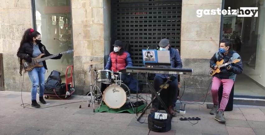 skaribe-musicos-callejeros-vitoria