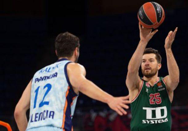 Baskonia saca su carácter en el último partido de 2020