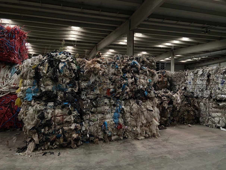 Escor suspende pagos y abandona residuos peligrosos tras ser desahuciado de su sede | Gasteiz Hoy