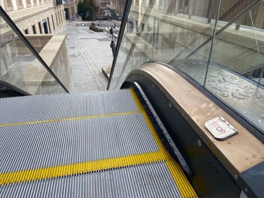 sabotaje escalera mecanica