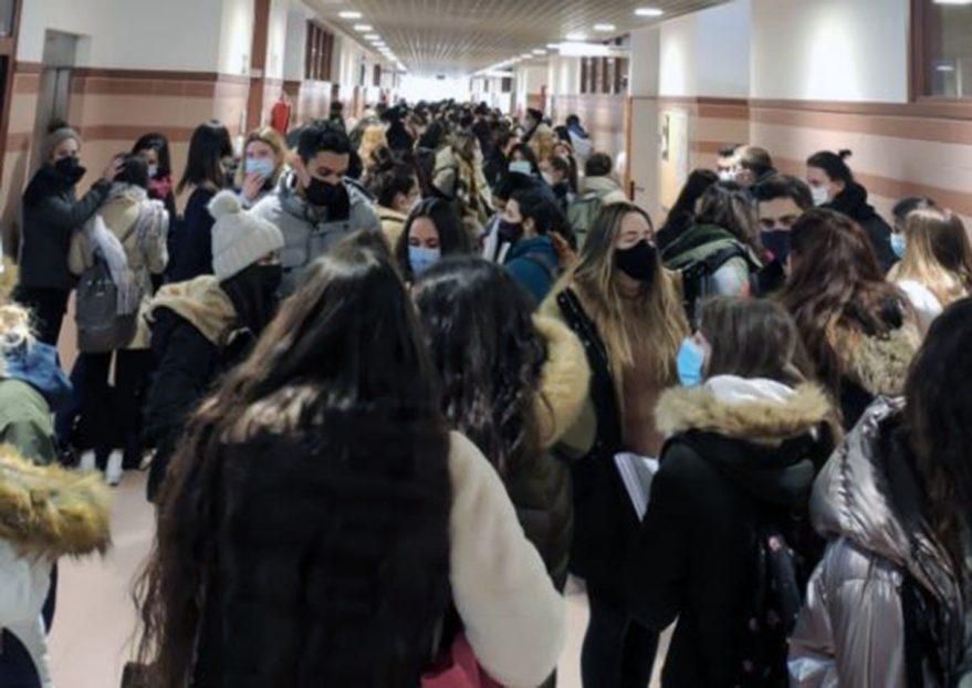 aglomeracion examenes upv