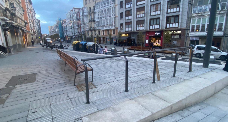 Barandillas para no caer en las gradas de La Cuesta   Gasteiz Hoy