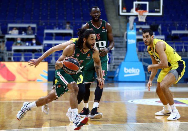Fenerbahce anula a Baskonia y se lleva el basket average
