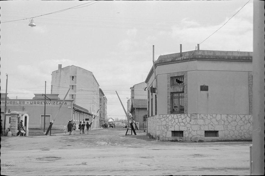 Cruce de las calles Arana y Los Herrán en marzo de 1967. ARQUÉ. AMVG.