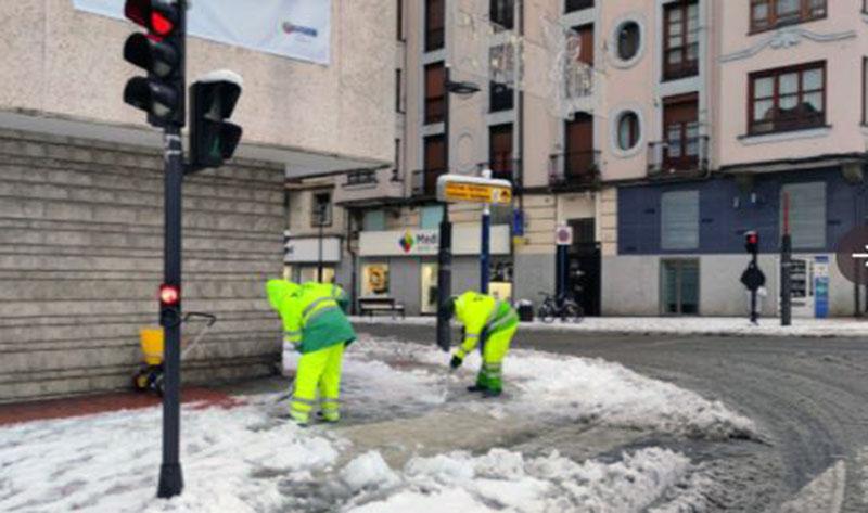 nieve vitoria operarios