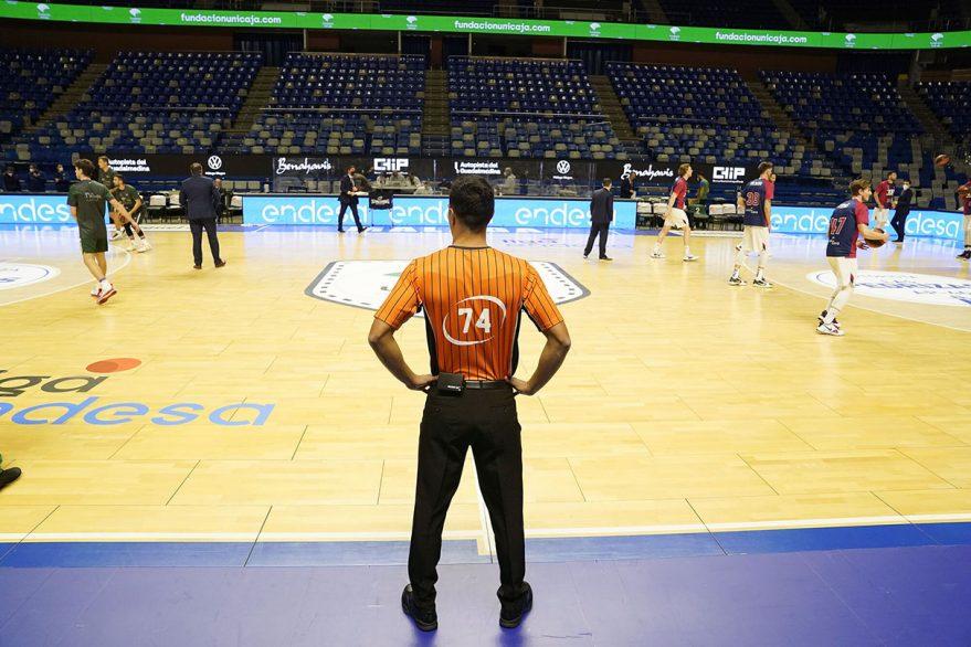 unicaja baskonia arbitros