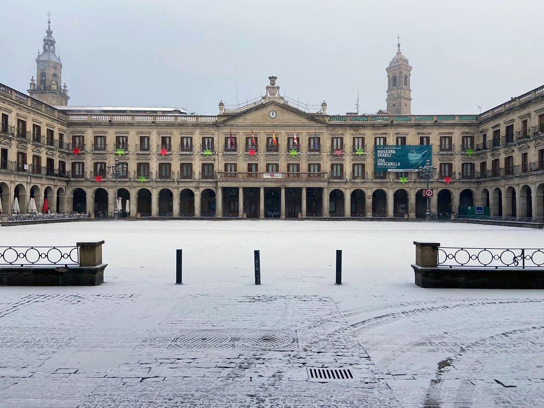 FOTOS: El hielo y la cencellada dejan imágenes espectaculares en Vitoria | Gasteiz Hoy
