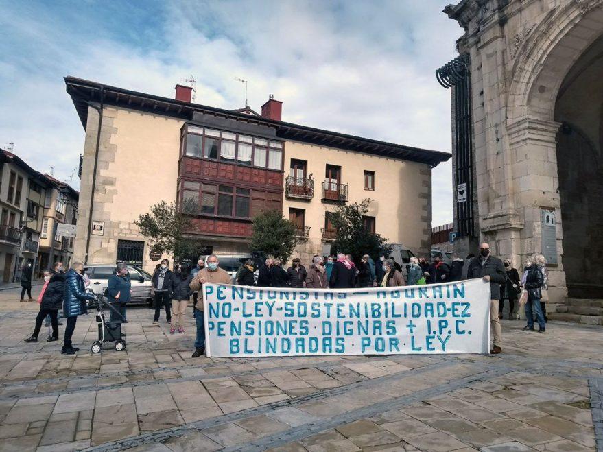 pensionistas manifestacion agurain