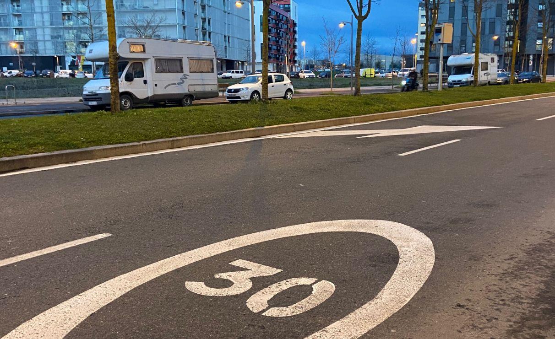 El radar de Naciones Unidas 'caza' a los coches que superan los 30 km/h | Gasteiz Hoy