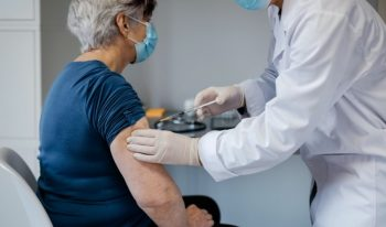 vacuna-mayores-coronavirus
