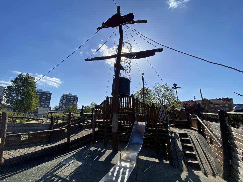 barco pirata lakua