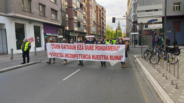 La hostelería vuelve a protestar por las últimas medidas   Gasteiz Hoy