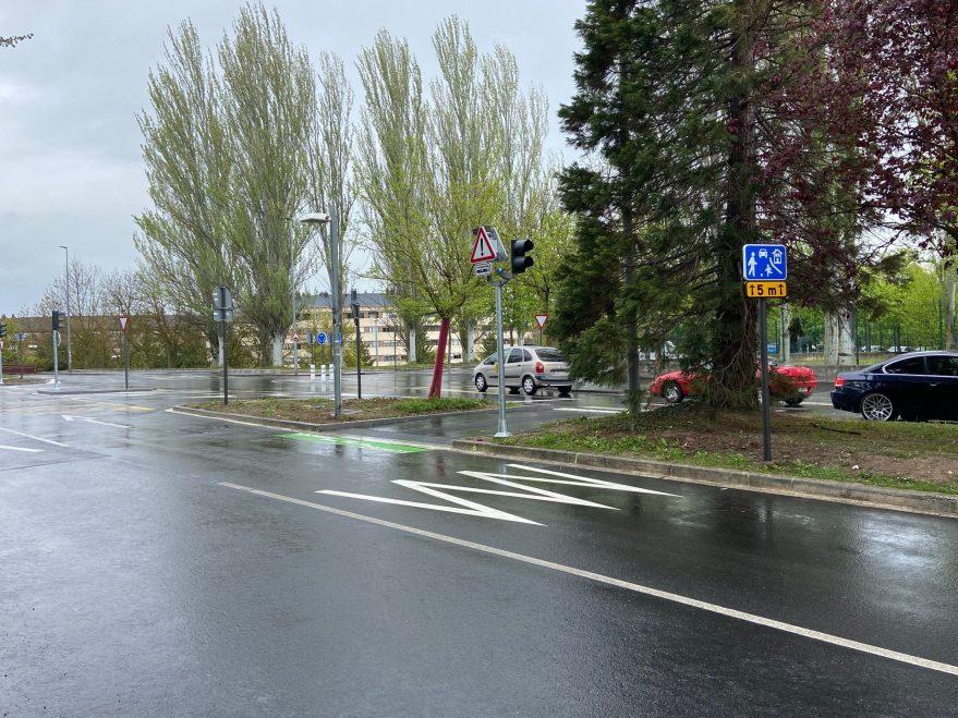 señal bei calle residencial