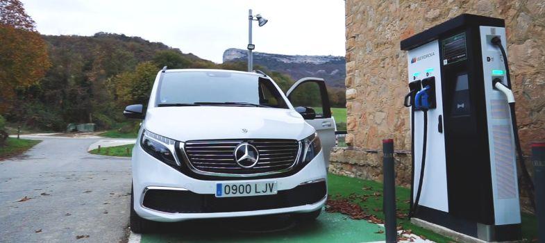 Álava presenta una guía turística para el vehículo eléctrico   Gasteiz Hoy