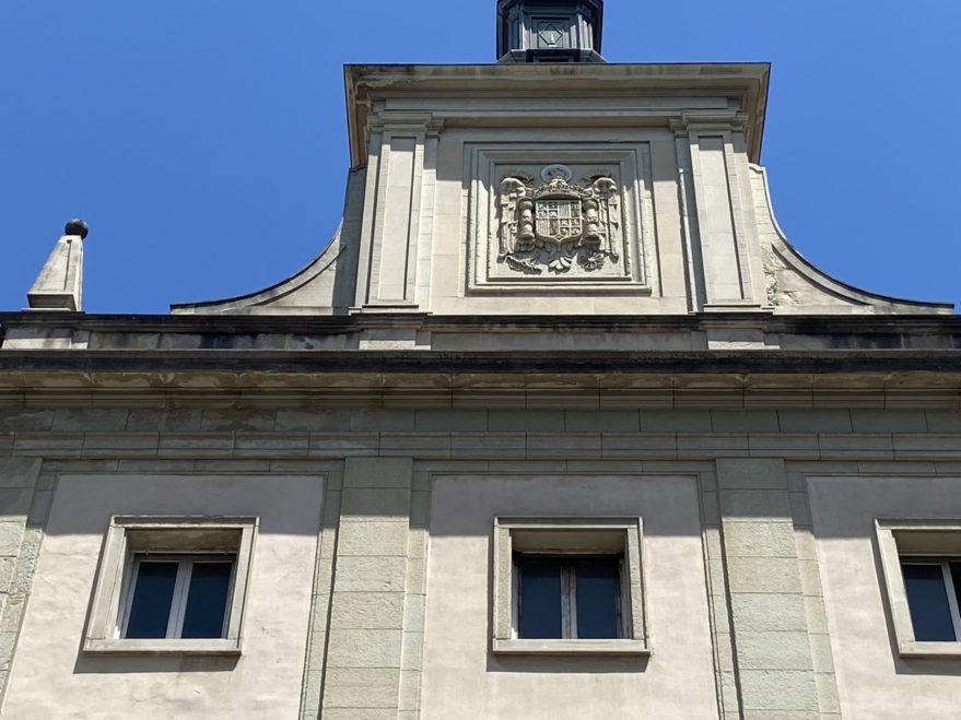 escudo franquista palacio justicia