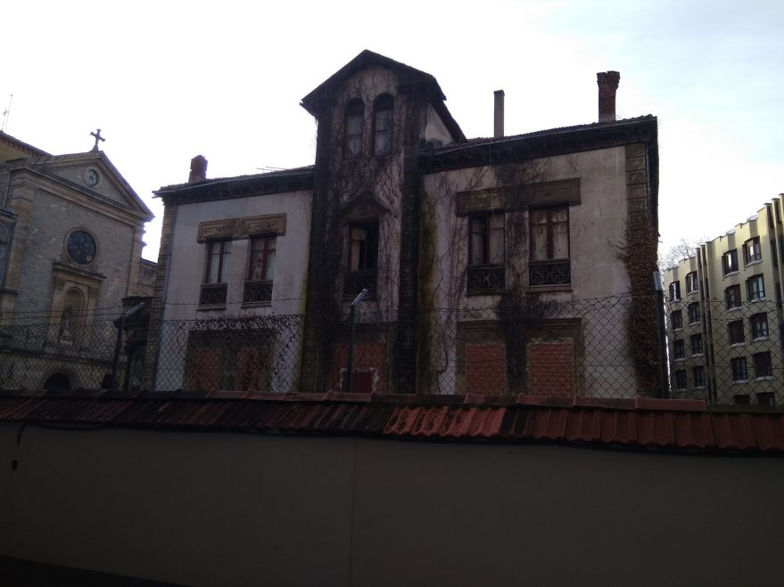 lista roja casa alfaro fournier