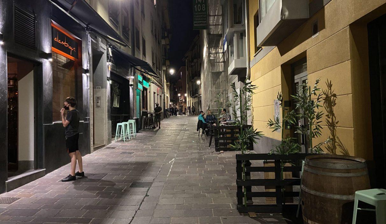 vitoria zapa noche calle ambiente gente