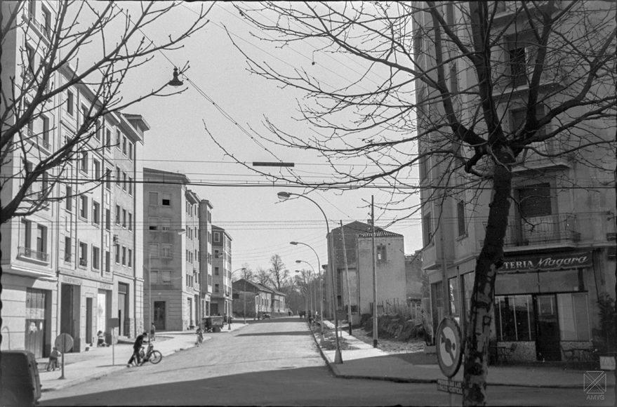 Avenida de Judimendi en 1962. Al fondo el antiguo preventorio. ARQUÉ. AMVG.