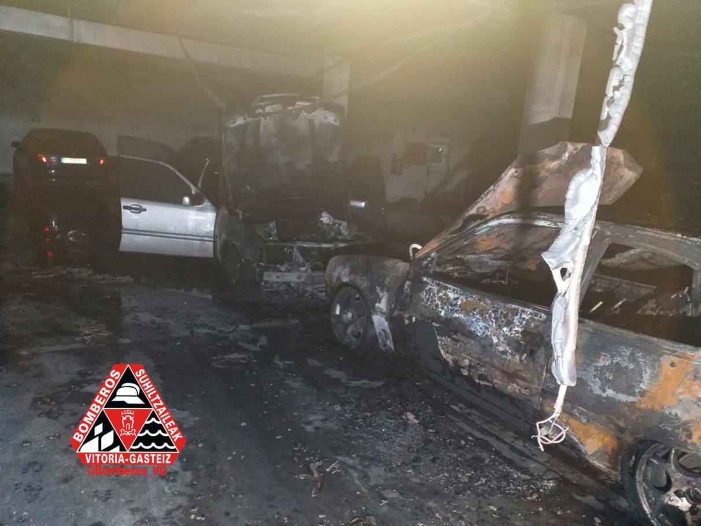 coches calcinados geronimo roure incendio garaje