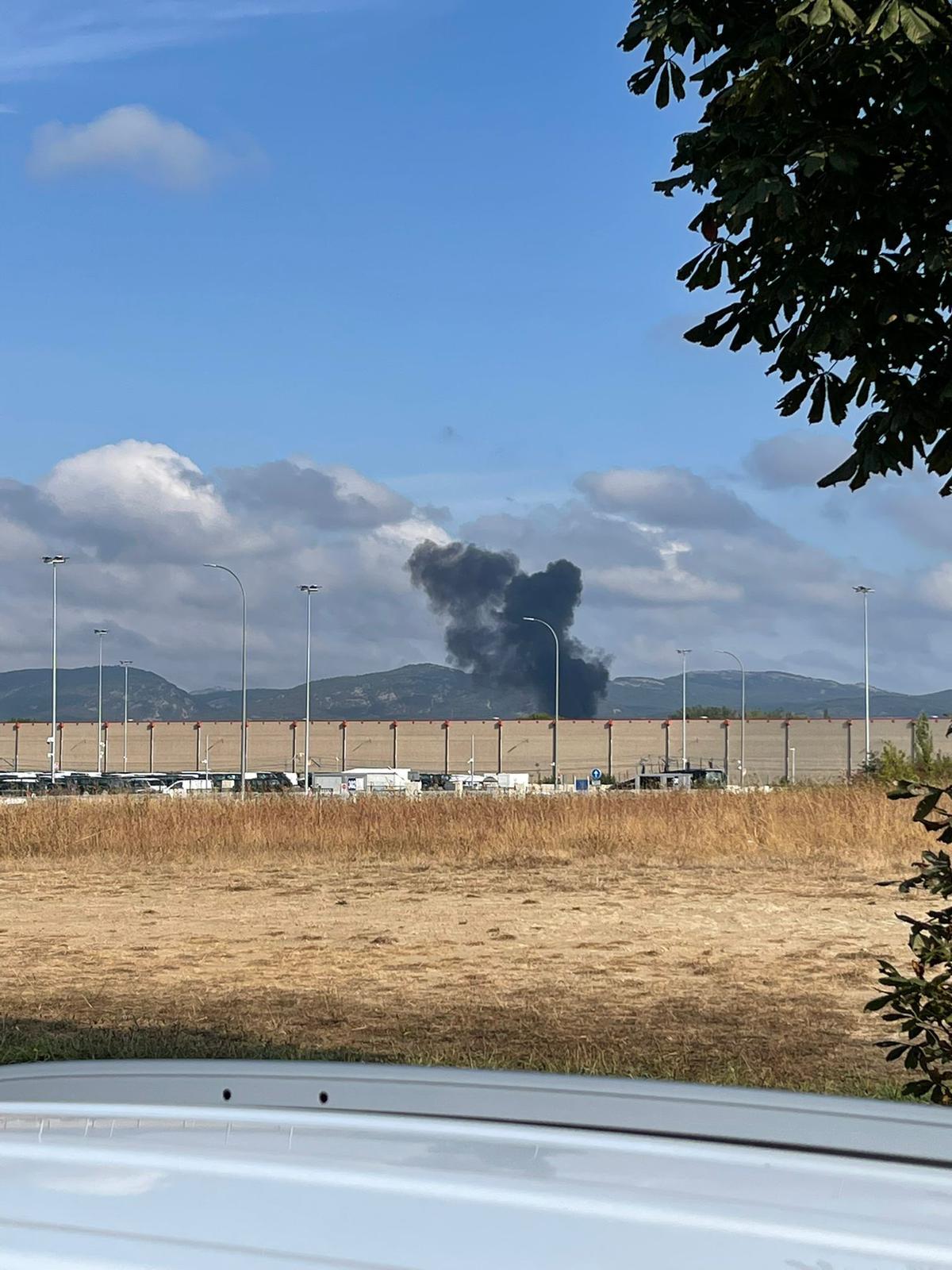 columna humo aeropuerto foronda