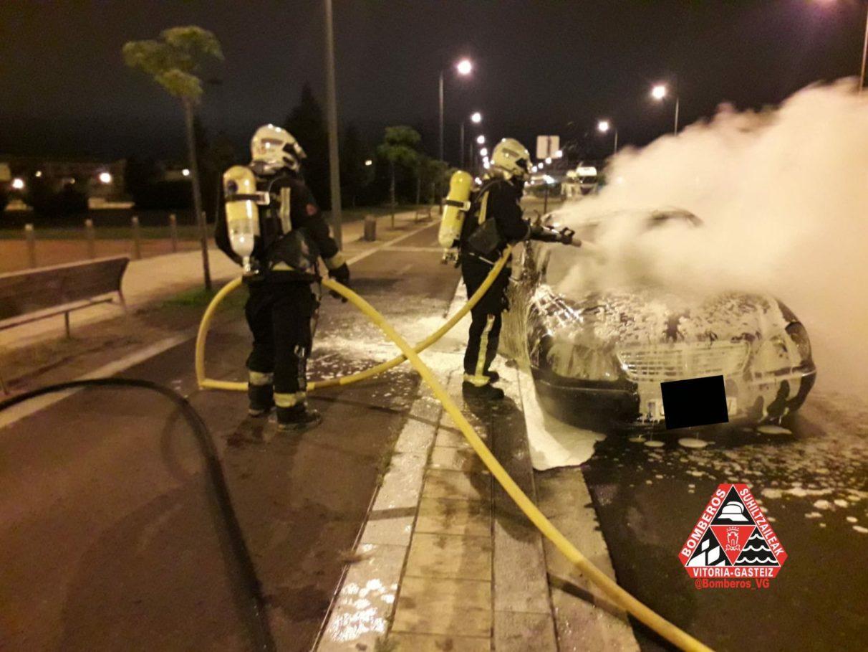 incendio coche zabalgana